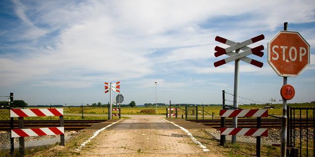 Onbewaakte spoorwegovergangen over vijf jaar verdwenen