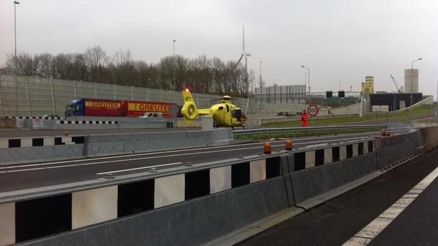 Coentunnel korte tijd afgesloten na ongeluk met drie auto's