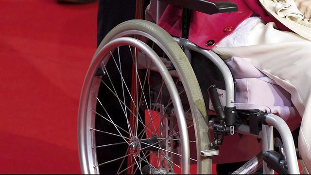 Man aangehouden na diefstal op gehandicapte man