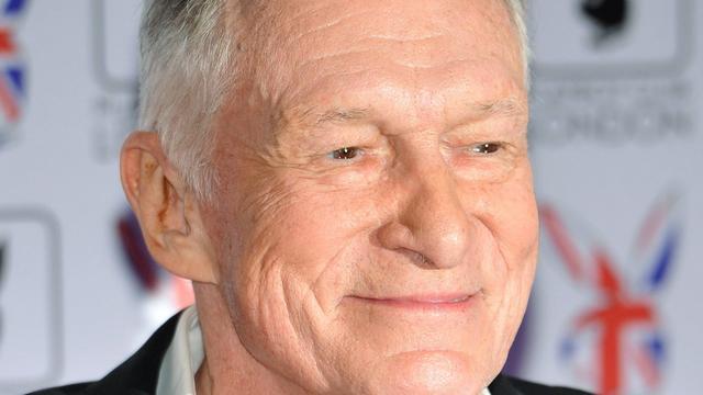 Hugh Hefner vraagt rechter aanklacht tegen hem in Bill Cosby-zaak te negeren