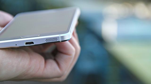 Zijn de appwinkels gevaarlijk voor mijn smartphone?