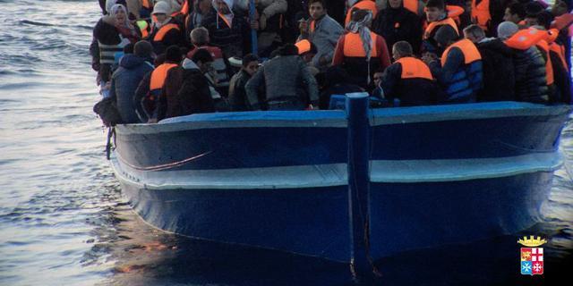 Recordaantal vluchtelingen probeert over zee Europa te bereiken
