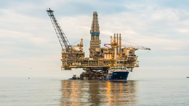 'Lage olieprijs bedreigt vele miljarden aan olieprojecten'