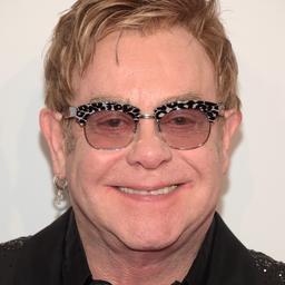 Elton John treedt op tijdens huwelijksreceptie Prins Harry en Meghan Markle