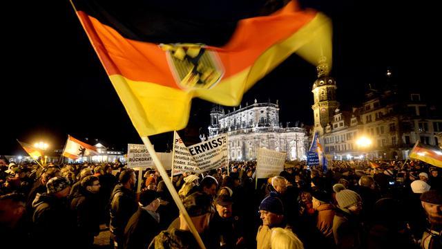 Tienduizenden Duitsers betogen om islam