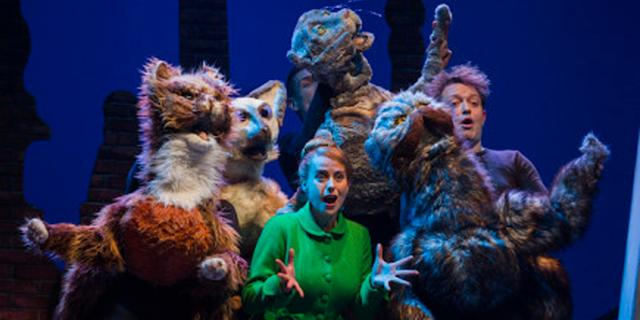 Theaterrecensie: Minoes - Tamara Bos