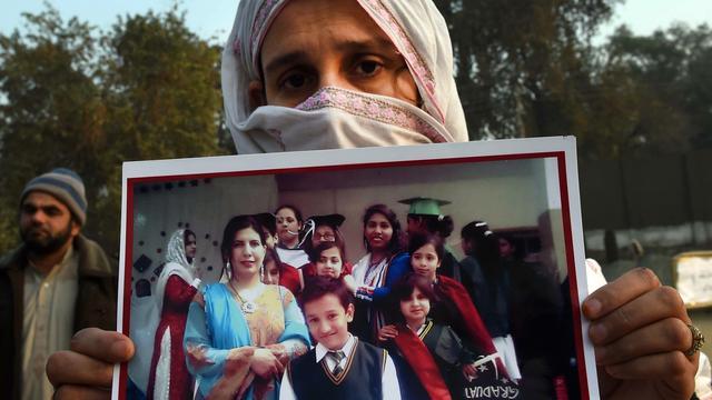 Pakistan pakt twaalf verdachten van moordpartij op school op