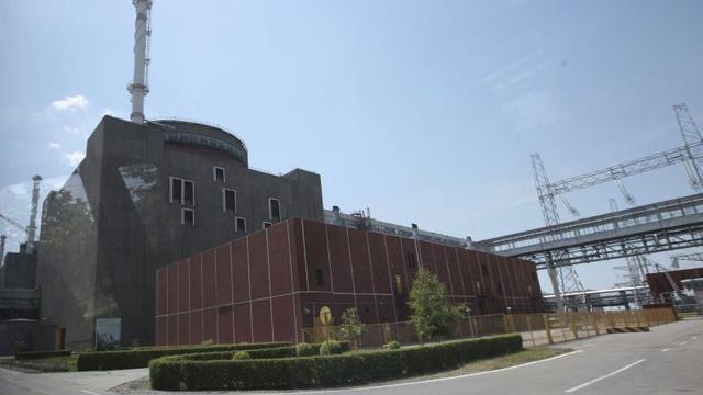 Oekraïne legt grootste kernreactor van Europa deels stil