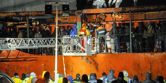 Schip met zevenhonderd Syrische migranten aangekomen in Italië