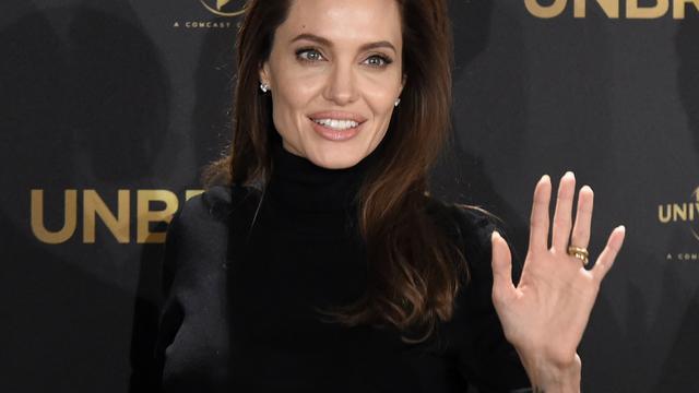 Angelina Jolie wil minder acteren door dood van moeder