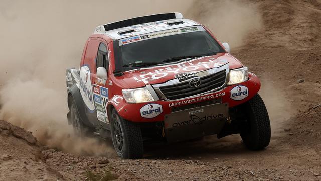 Ten Brinke zesde in vierde etappe Dakar, Russen domineren bij trucks