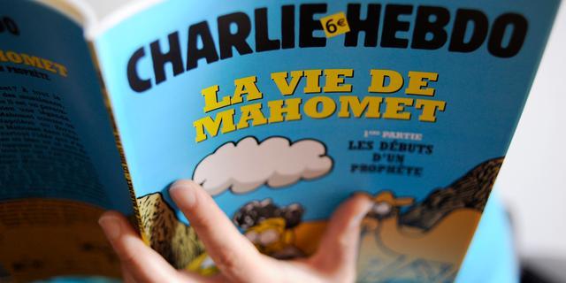 Tegendraads Charlie Hebdo protesteert tegen extreemrechts, religie en politiek