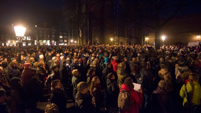 Duizenden mensen bij demonstratie Domplein