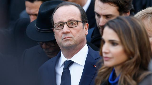 Hollande en Netanyahu bij herdenking in hoofdsynagoge Parijs