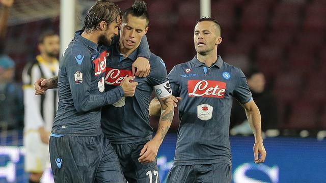 Napoli bereikt kwartfinales Coppa Italia na strafschoppen