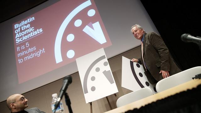 Het is 23.57 uur: Tien dingen over de Doomsday Clock