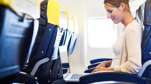 Zichtbaar opengemaakte laptop mag niet mee in handbagage naar VS