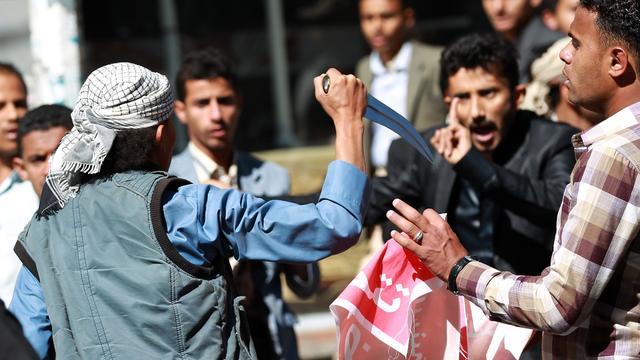 Sjiitische Houthi-rebellen vallen betogers in Jemen aan