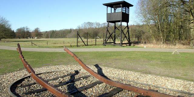 Kamp Westerbork herdenkt zeventig jaar bevrijding