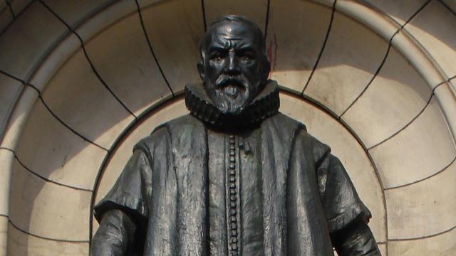 Standbeeld Johan van Oldenbarnevelt was schenking