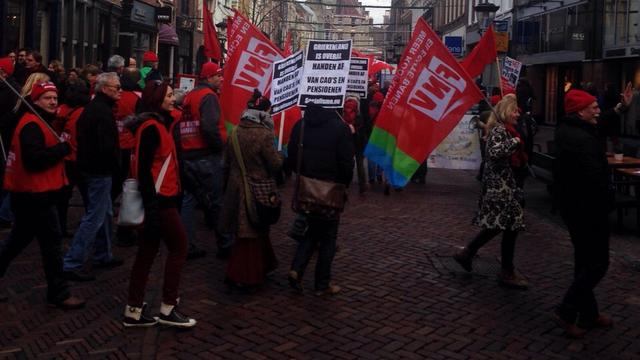 1.500 demonstranten in Utrecht vragen om 'echte banen'