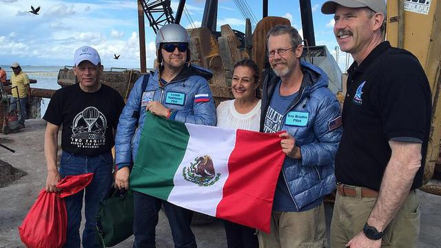 Luchtballonvaarders landen in Mexico met records