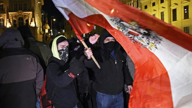 Duizenden mensen bij anti-Pegidademonstratie in Wenen
