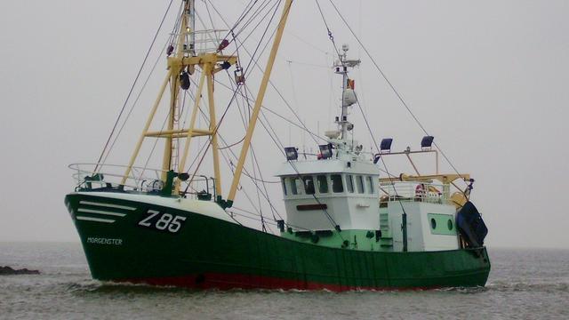 Marine zoekt naar vermisten in gevonden vissersschip Urk