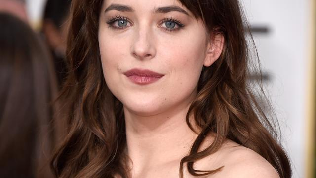 Dakota Johnson droeg string met superlijm voor Fifty Shades Freed