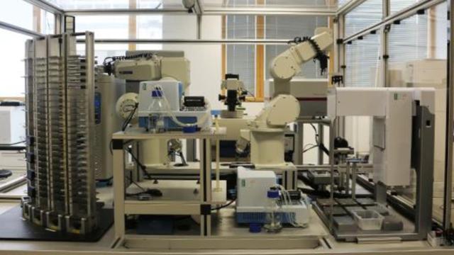 Robot ontdekt mogelijk medicijn tegen malaria