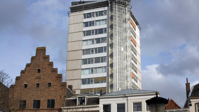 Neudeflat krijgt dinsdag torenkraan op dak