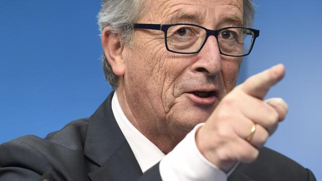 Juncker wil Griekenland in eurozone houden