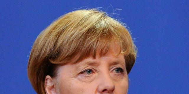 Merkel maakt weg vrij voor vervolging komiek om beledigen Erdogan