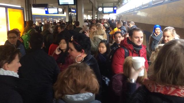 Treinverkeer rond Schiphol paar uur plat wegens brandmelding