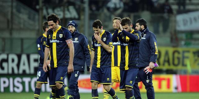 Spelers Parma staken en weigeren in actie te komen tegen Genoa