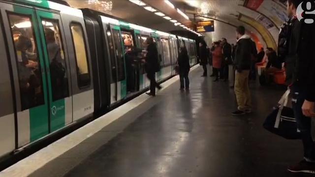 Wedstrijdverbod voor racistische Chelsea-fans na incident in Parijs