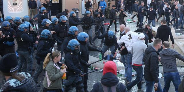 Celstraffen en hoge boetes voor supporters Feyenoord na rellen in Rome