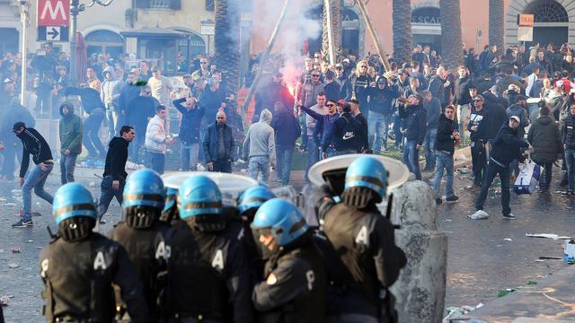Feyenoord-hooligans vergeleken met barbaarse hordes