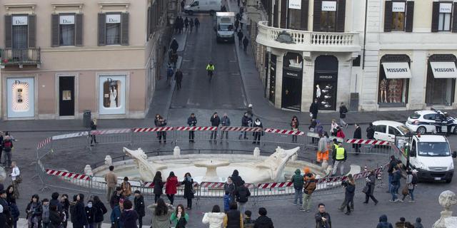 Zwols gymnasium zamelt geld in voor beschadigde fontein in Rome