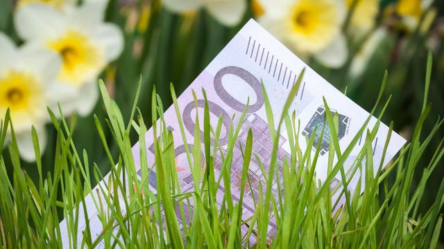 Een op tien Nederlanders steekt geld in crowdfunding