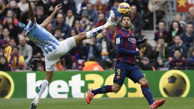 Barcelona lijdt kostbare nederlaag, Sneijder wint met Galatasaray