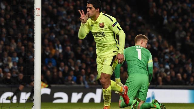Suarez helpt Barcelona aan belangrijke zege bij Manchester City