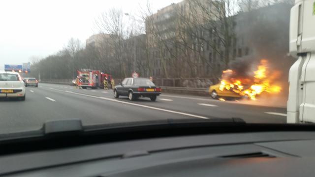Problemen op A10 bij Geuzenveld door autobrand