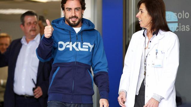 'Alonso doorstaat medische tests en mag afreizen naar Maleisië'