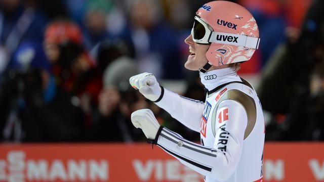 Skispringer Freund pakt wereldtitel op grote schans