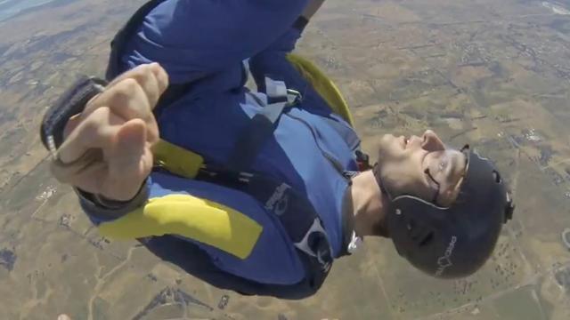 Parachutespringer krijgt epileptische aanval tijdens vrije val