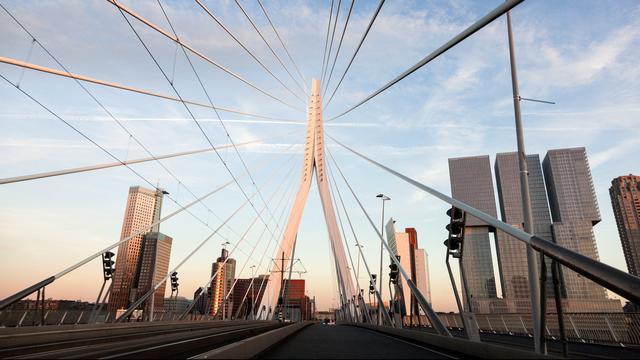 Maastunnel en Erasmusbrug afgesloten voor verkeer