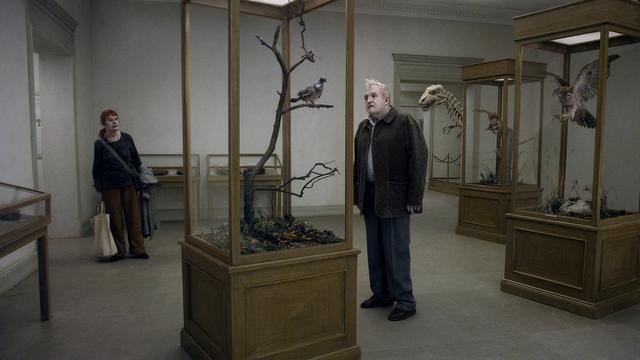 Filmrecensie: A Pigeon sat on a Branch Reflecting on Existence - Roy Andersson
