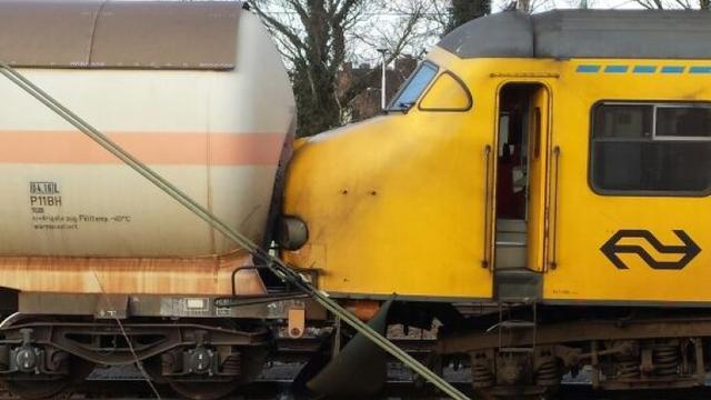 Botsing tussen passagierstrein en goederentrein bij Tilburg