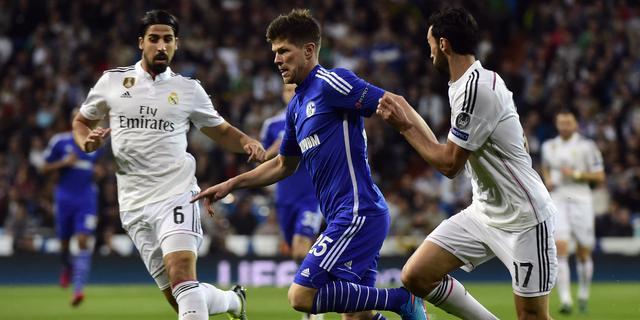 Huntelaar en Schalke uitgeschakeld ondanks zege bij Real
